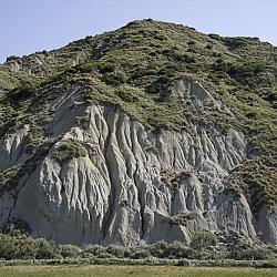 Basilicata: da Est a Ovest, Senise - Diga Montecotugno - Grotta delle meraviglie