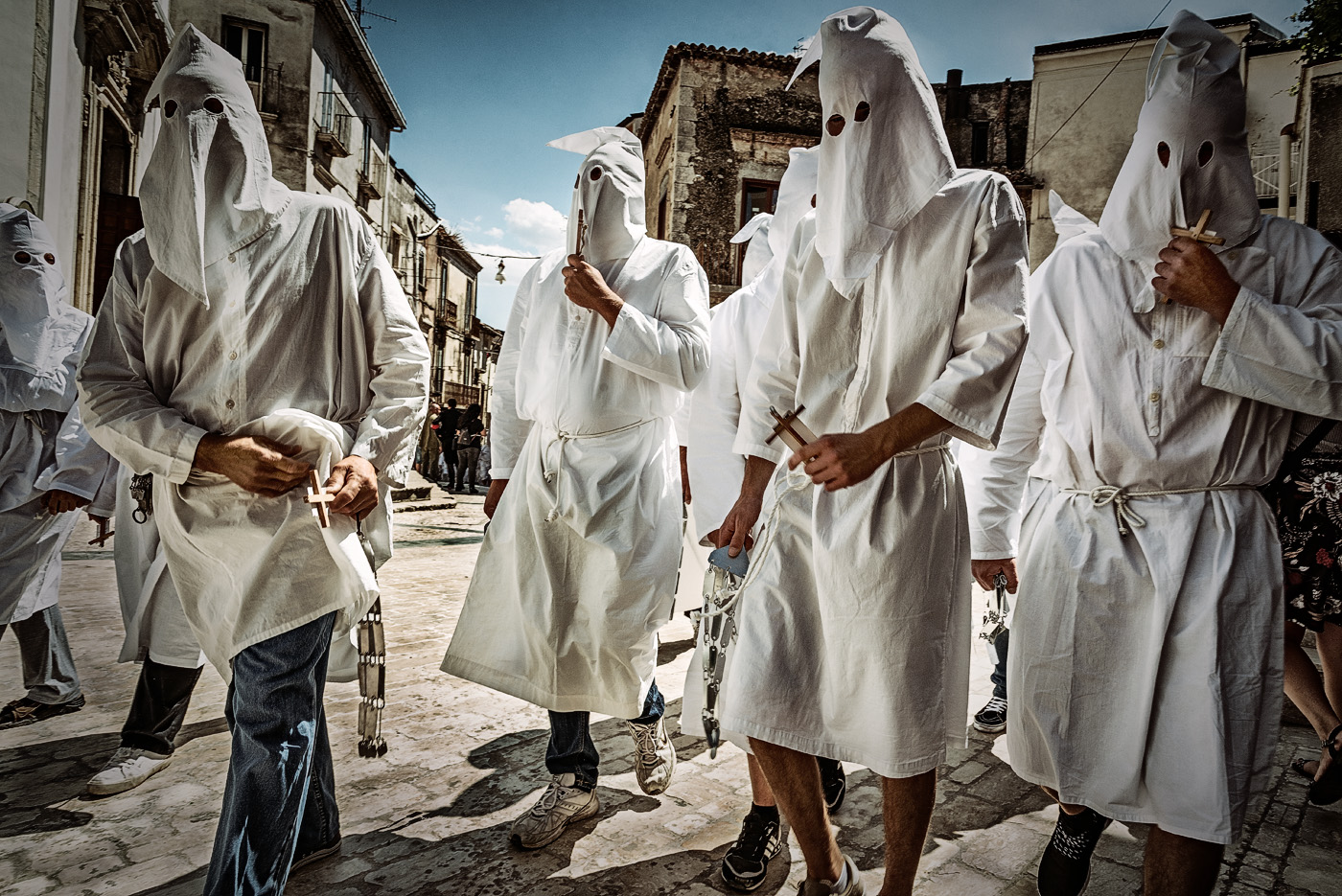 Penitenti   2017, I riti settennali in onore dell'Assunta. A Guardia Sanframondi, una cittadina sannita di antiche origini, ogni sette anni si svolgono i riti di penitenza in onore dell'Assunta. La manifestazione,