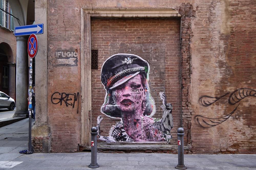 Bologna, via Benedetto XIV  artista: Stikki Peaches maggio 2017